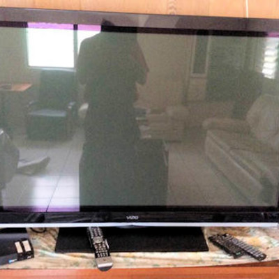 NNS019 Visio TV & Remotes, DVD/VHS Components