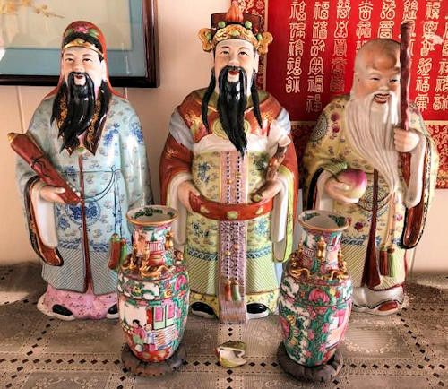 NNS102 Chinese Figurines and Two Vases