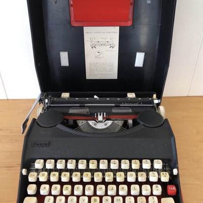 NNS155 Vintage Sears Typewriter