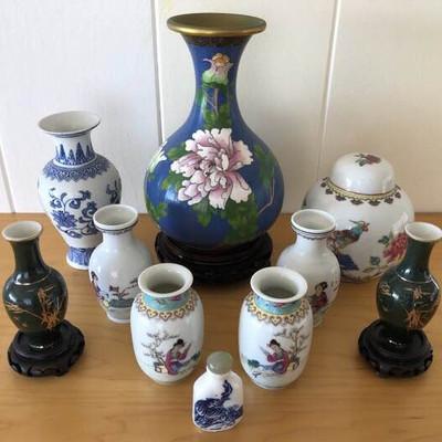 NNS141 Beautiful Oriental Vases