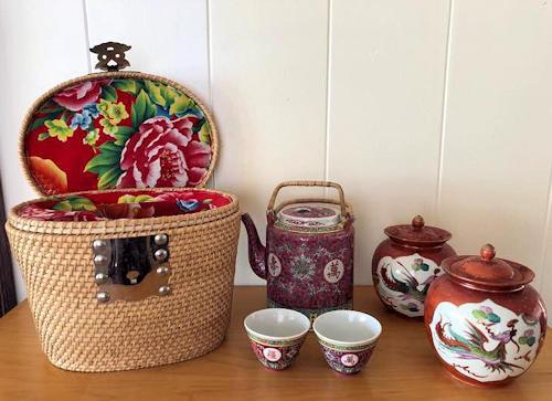 NNS100 Vintage Oriental Tea Set & Basket