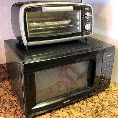 NNS007 Kenmore Microwave and Oster Toaster