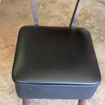 PPT011 Sewing Items & Sewing Storage Chair