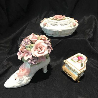 The San Francisco Music Box Company 2 Piece Anna Rosa and Piano