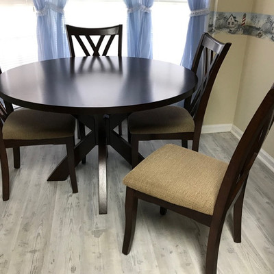 Round dining table and 4 chairs $195 48 X 30
