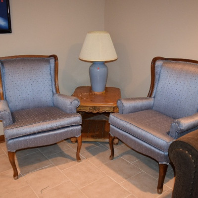 Accent Chairs, Side Table, & Lamp