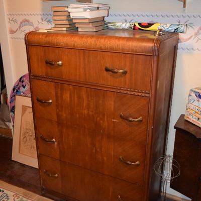 Chest Dresser
