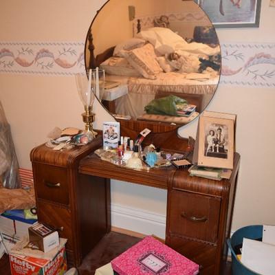 Vintage Dresser, Mirror, Home Decor