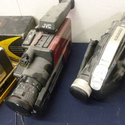 VHS Dics Movie Camera Lot.