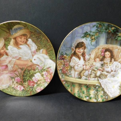 Collector Plates ( 2 Items )