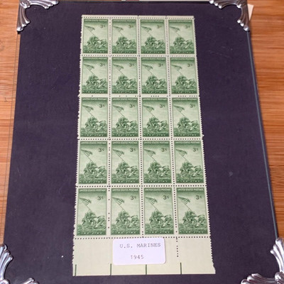 160: 1935 3-cent stamps in pewter frame ATTENTION stamp collectors! Here are twenty United States 1935 3- Cent Marine stamps under glass...
