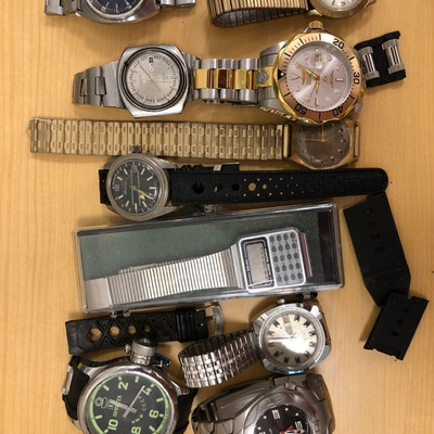 165: 	 10+ name brand watches, Invicta, Freestyle, more 10+ watches and bands; brands include Invicta, Freestyle, etc.