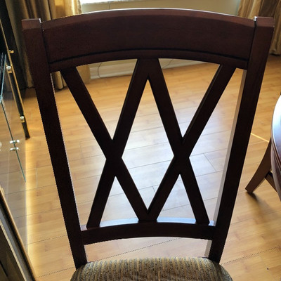 Round Cherry Stain Dining Table w/4 Chairs & 18