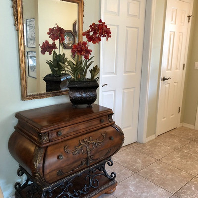 Bombay-style Metal and Wood Entry Table - $345 (34W 20D 34H)