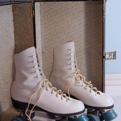 Cool Vintage Roller Skates-size 9-in original box- ...