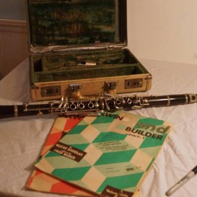 Clarinet-Vintage Conn Director-in original case-wi ...