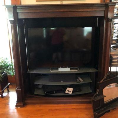 CH008: Large Mahogany Wood Entertainment Center Local Pickup https://www.ebay.com/itm/123821407831
