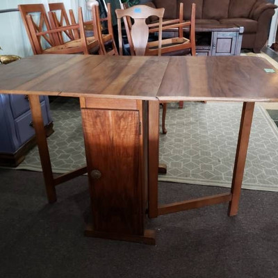 1920's Style Kitchen Table with 2 Arm Chairs