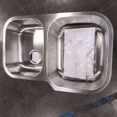 New Stainless Steel Double Bowl Undermoint Sink..