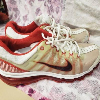 Nike Air Max Size 9.5