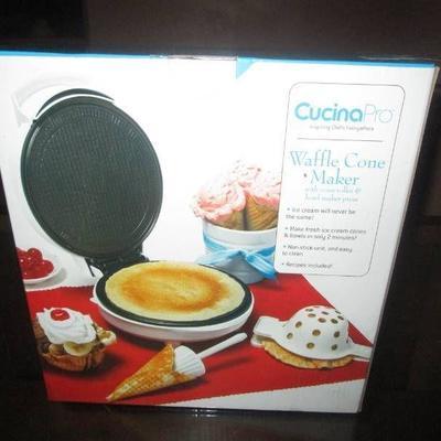 CucinaPro Mini Pie and Quiche Baker