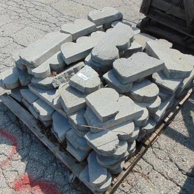 LOT OF LARGE SCALLOPED EDGERS