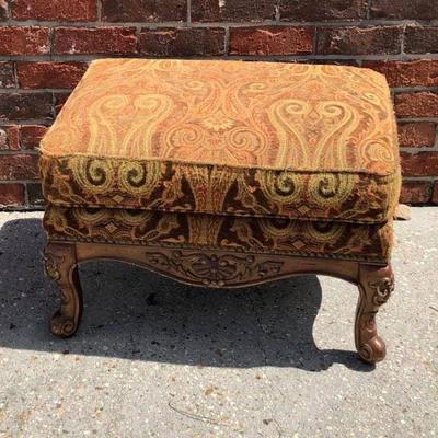 BR0118 Ottoman Fabric and wood $75 Local Pickup https://www.ebay.com/itm/123833895750