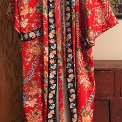 Vintage silk kimono, made in Japan for I Magnin