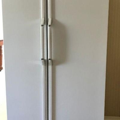GE Profile Side-By-Side Refrigerator Freezer 25.3 Cu. Ft.