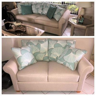 Like new sofa & love seat