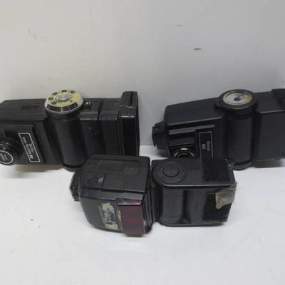 Lot of 3 flashes, Nikon speedlight SB-600, Vivitar ...