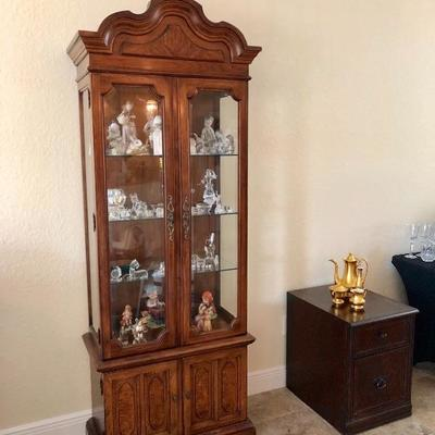 Thomasville Glass-Front Display Cabinet w/Glass Shelves - $185 - (30W  15D  81H)