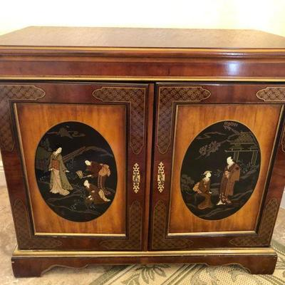 Drexel Heritage Wood Painted Mural Front Chinoiserie - $565 - (36W  20D  31H)
