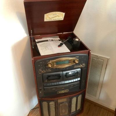 TEAC Nostalgia Genuine Music Player GF-680