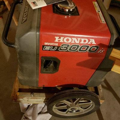 Lightly used Honda ultra quiet generator