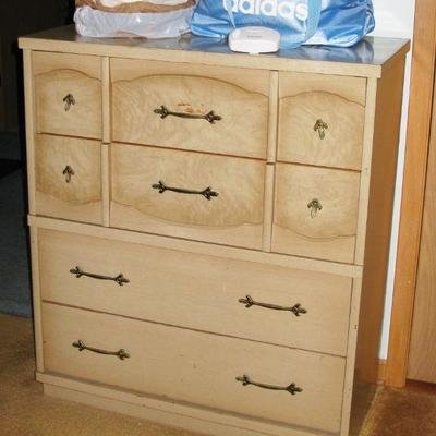 CHEST OF DRAWERS   BUY IT NOW $ 65.00