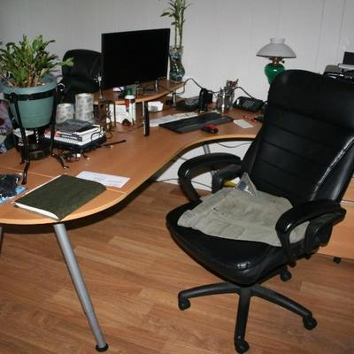 Modern Office Desk & Office Chair