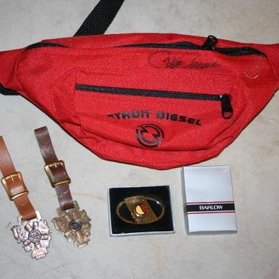 Detroit Diesel Watch Fobs & Collectables Roger Penske Autograph on Red Pack