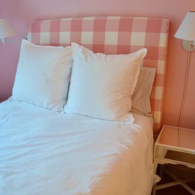 Full bed with gingham headboard
