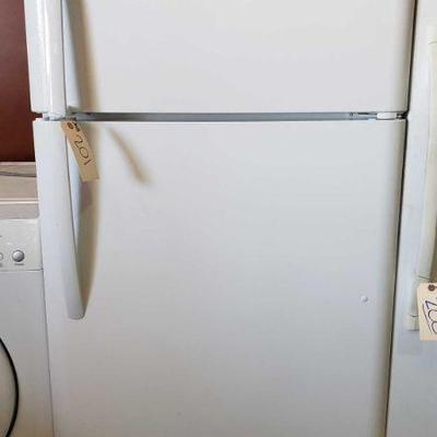 201: FrigidAire Refrigerator and Freezer Shown here is a FrigidAire Refrigerator and Freezer model FFHT1814TW1 serial BA85103474 has...