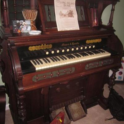 Mason & Hamlin Organ