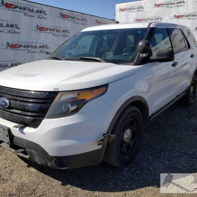 154-2014 Ford Explorer, White AWD, Cold AC, front power windows, power mirrors, cruise control, rear climate control, rear backup camera...