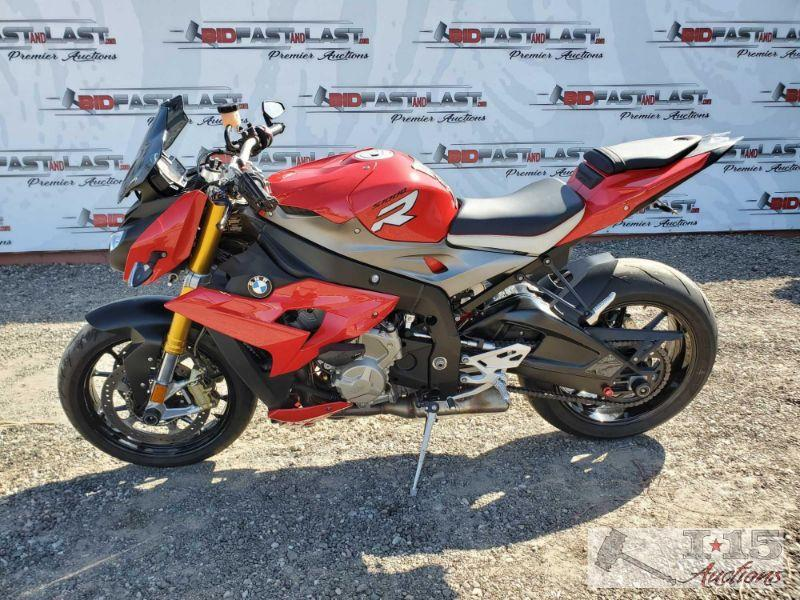 Lot # 122 2014 BMW S1000R, Red VIN: WB10D1209EZ198908 Visit the following link to see running https://bid.bidfastandlast.com/ui/auctions/42016  View Less