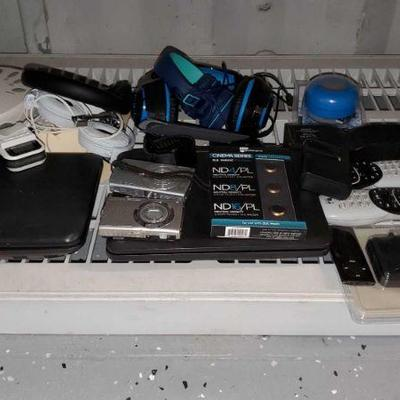Misc Electronics Lot Lot contains Amazon Kindle, pelican memory card case, nikon and Canon cameras and more! OS19-008563.1(1 of 4)