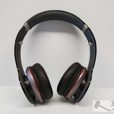 Beats Solo HD Headphones, Black Beats Solo HD Headphones, Black. Does not have cords.  OS12-082514.5
