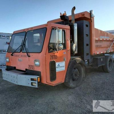 119: 2010 Cane Carrier Co. Low Entry Year: 2010 Make: Crane Carrier Co. Model: Low Entry (LE2/LD2/LW2/LT2/ST2/SD2) Vehicle Type: Truck...