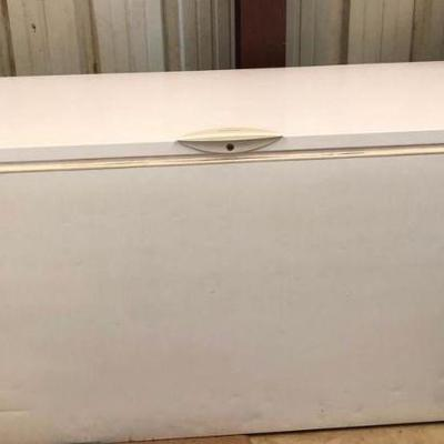 Frigidaire Chest Freezer Freezer Frigidaire Chest Freezer.  In good working condition Length 73