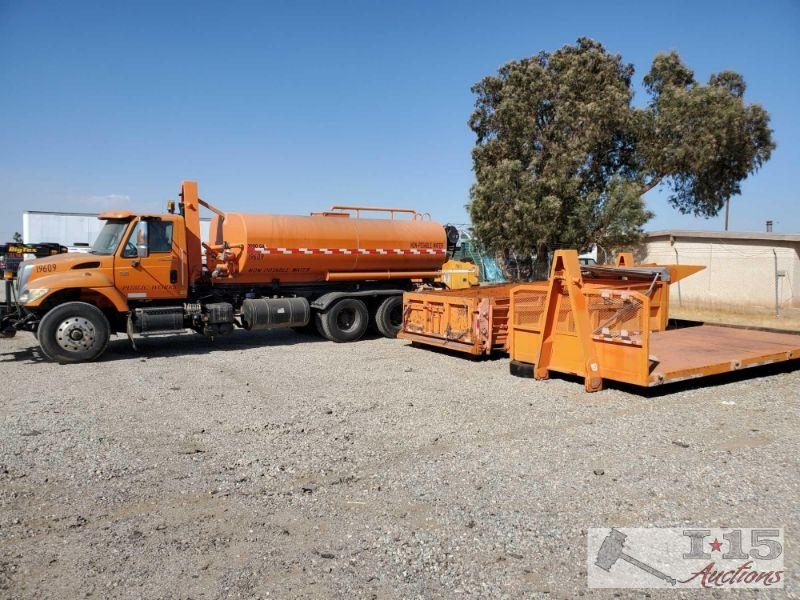 118: 2003 International 7500 HT530 w/ water tank, dump bed and flat bed Roll-off bed, has water tank, flat bed and dumpster bed.  Year: 2003 Make: International Model: 7500 Vehicle Type: Truck Mileage:  Plate:  Body Type: Trim Level: Drive Line: 6x4 Engine Type: L6, 8.7L (530 CID) Fuel Type: Diesel Horsepower: Transmission: VIN #: 1HTWPADT63J065985  DMV fees: Commercial truck $816 and $70 doc fees