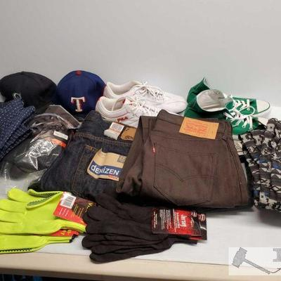 Misc Mens Clothing and Shoes Lot Three pairs of jeans from Levi's, Buffalo David Bitton, two pairs pf joggers, one button up shirt, nike...