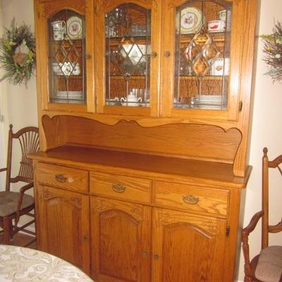 Oak Dining Suite With Pedestal Claw Foot Table and Hutch